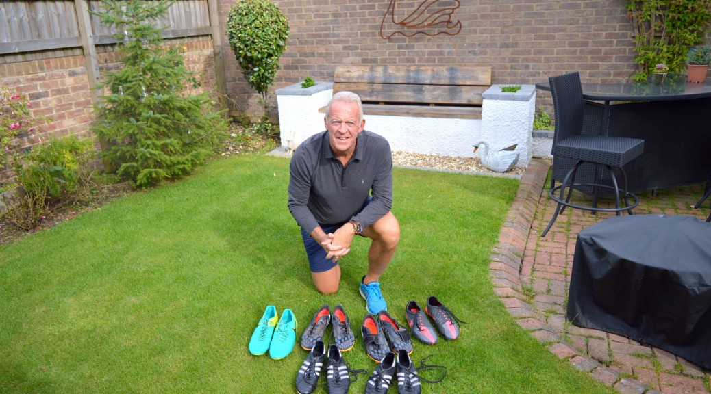 Swans legend Alan Curtis helps Dawsons football boot campaign